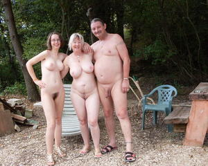 Une famille perverse complete moviefrench f70 - 2 part 5