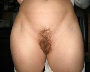 Sharing wifes hairy pussy