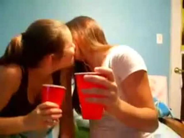 Truth or dare girls kissing