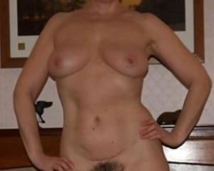 Free amateur milf pics and vids