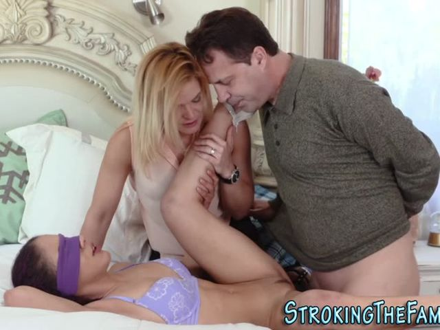milf cheats on hubby with stepson