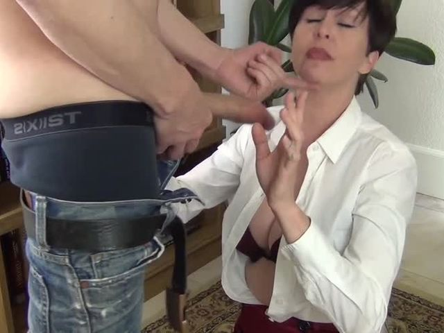 Facefucking the anger management counselor 4