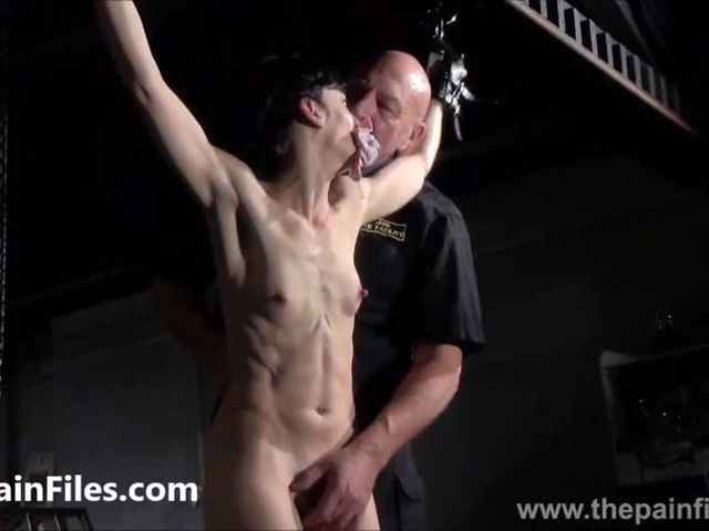 YouPorn_-_breaking-elise-graves-in-hard-dungeon-tit-tortures-and-suspension-bondage-of-whipped-and-punished-american-BDSM(緊縛)-model-in-extreme-fetishes-and-spanking.mp4