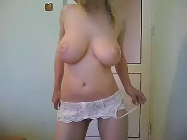Sexy Teen with Amazing body striptease->