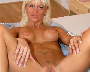 Showing porn images for lady dee creampie porn