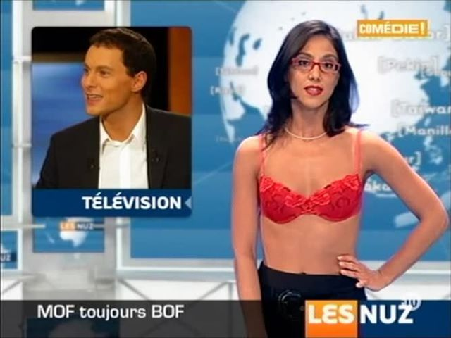 naked news French