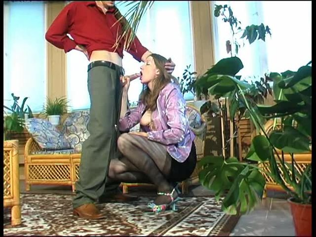(Guysformatures) Pantyhose mom and young boy