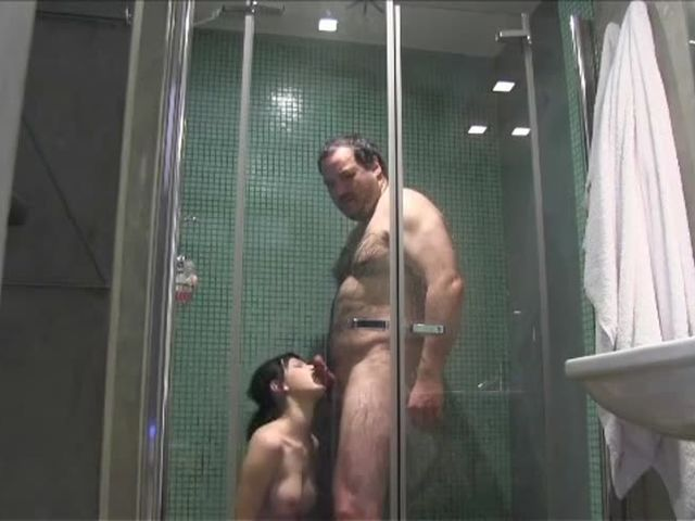 Father and Daughter Enjoy Incestuous Shower