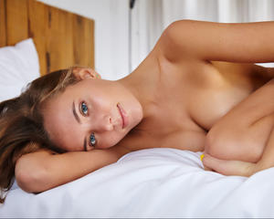 Katya Clover - White bed spreads