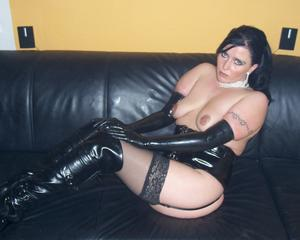 chubby/fat/bbw wearing lack/leather/latex - MOTHERLESS.COM