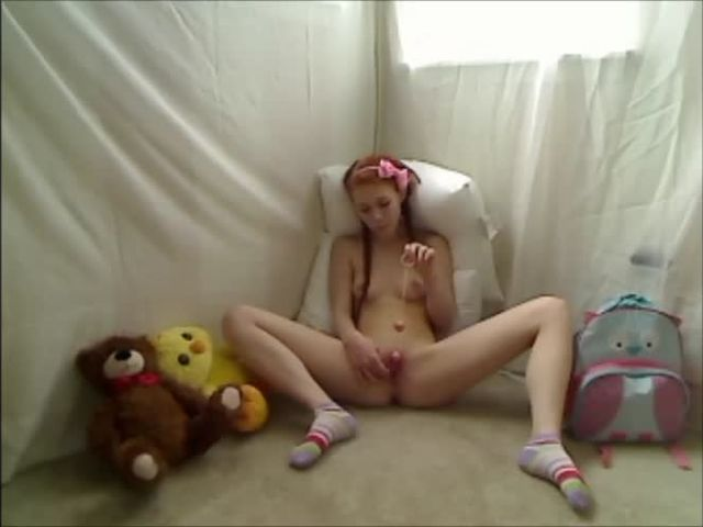 Hot Teen Redhead Dolly Little Masturbates in Footie Pajamas - Pornhubcom.mp4->